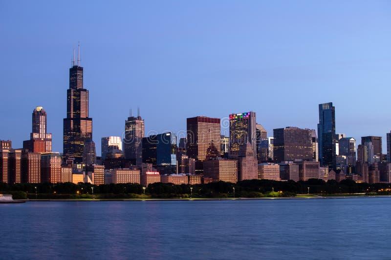 Horizon du centre de Windy City du lac Michigan Chicago est ? la maison au CUB, aux ours, au Blackhawks et ? la pizza profonde V  images stock