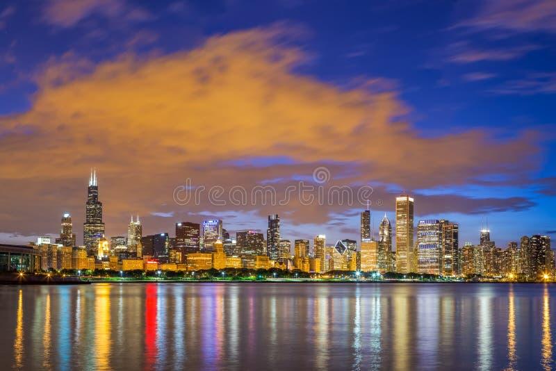 Horizon en het meer de van de binnenstad Michigan van Chicago bij nacht royalty-vrije stock foto's