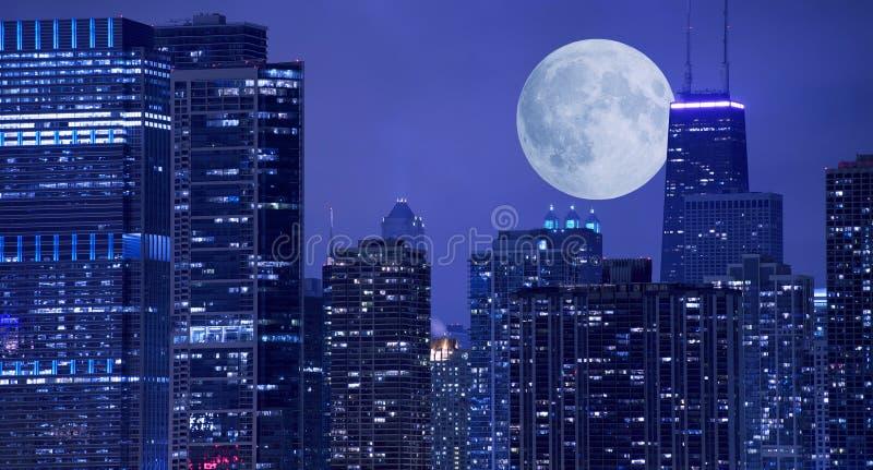 Horizon et lune photographie stock libre de droits