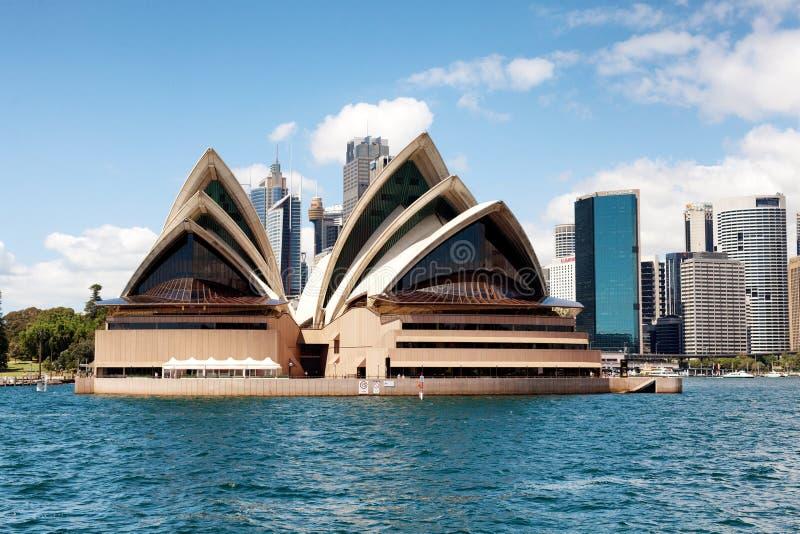 Horizon et Opéra de centre de la ville de Sydney photographie stock libre de droits