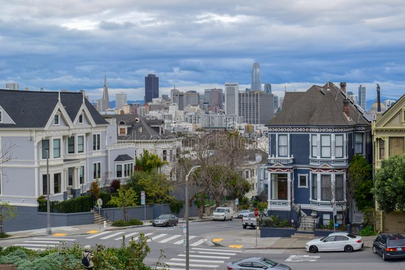 Horizon financier de secteur de place d'Alamo, San Francisco photos stock