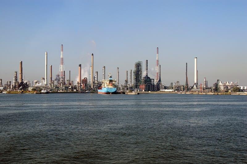 horizon industriel d'Anvers images stock