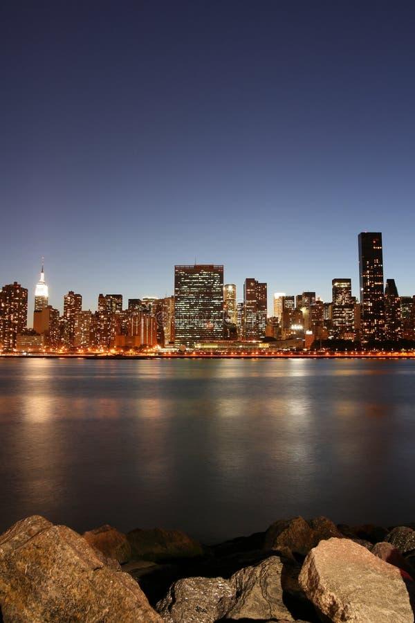 horizon neuf York de nuit de Manhattan de ville image libre de droits