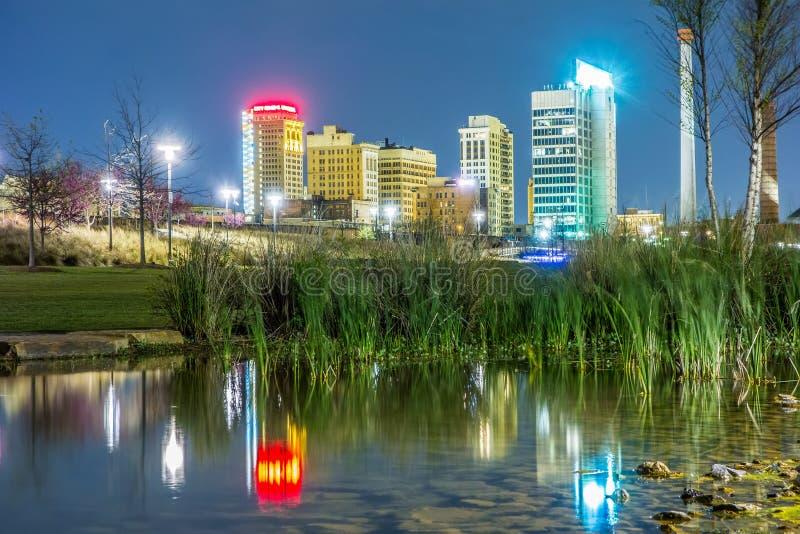 Horizon van Birmingham Alabama van Spoorwegpark royalty-vrije stock foto
