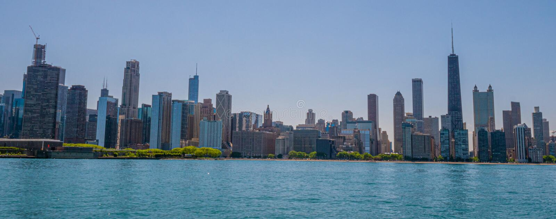 Horizon van Chicago - bekijk van Meer Michigan - CHICAGO, de V.S. - 12 JUNI, 2019 stock fotografie