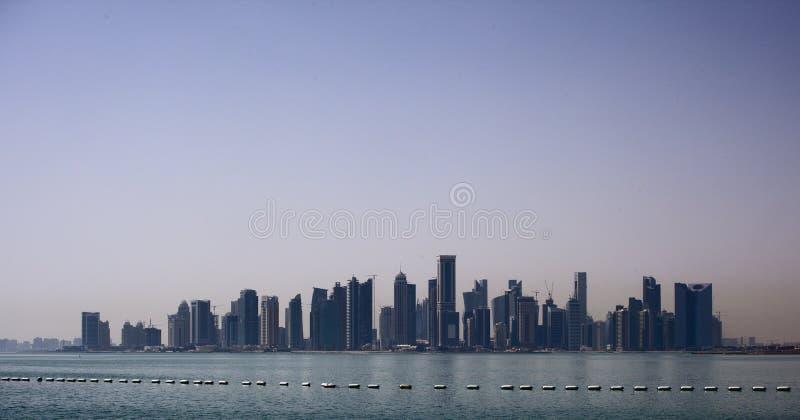 Horizon van de Doha de nieuwe stad stock foto