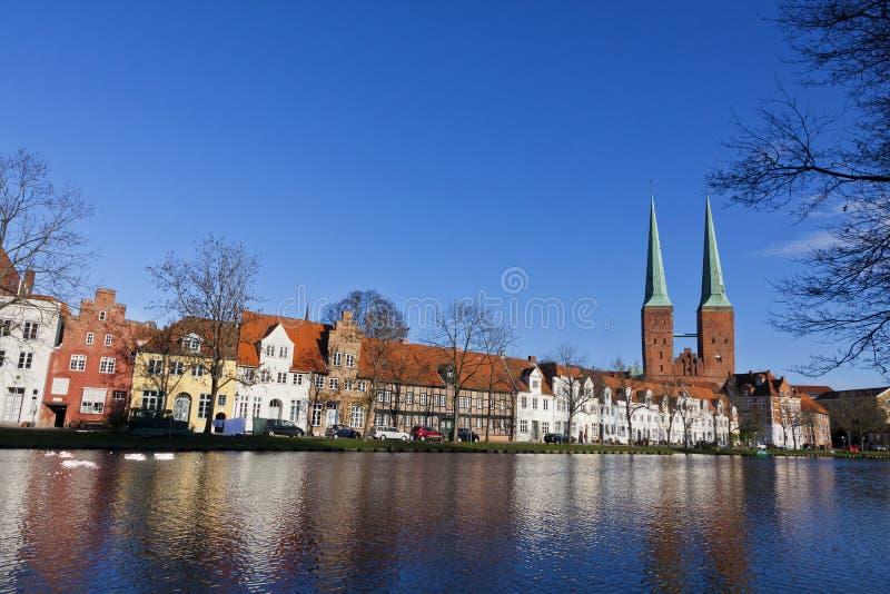 Horizon van de middeleeuwse stad van Lübeck royalty-vrije stock foto