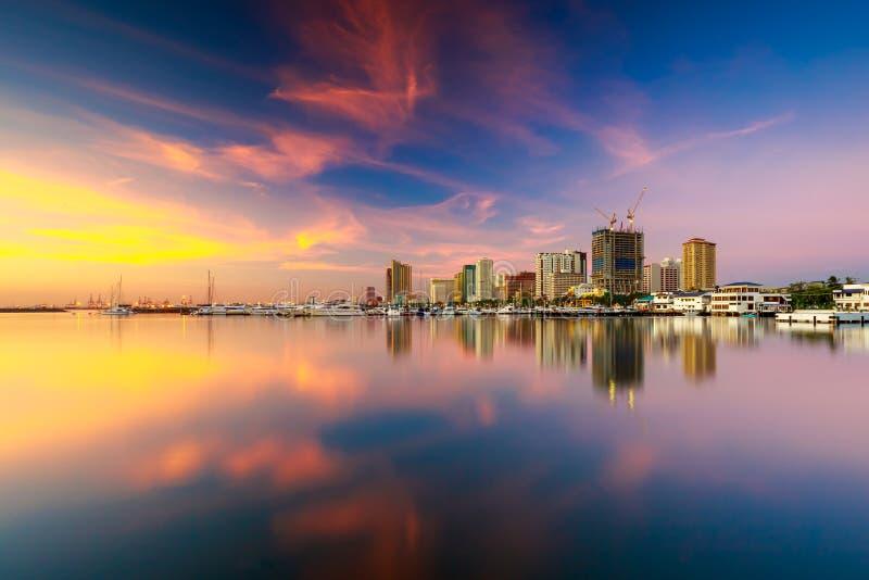 Horizon van de Stad van Manilla en de Baai van Manilla, Filippijnen stock afbeeldingen