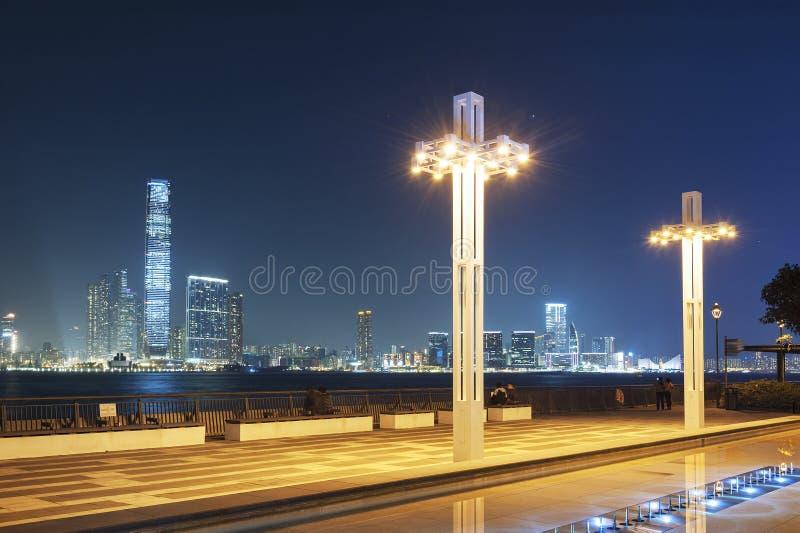 Horizon van Haven in Hong Kong-stad bij nacht royalty-vrije stock afbeelding