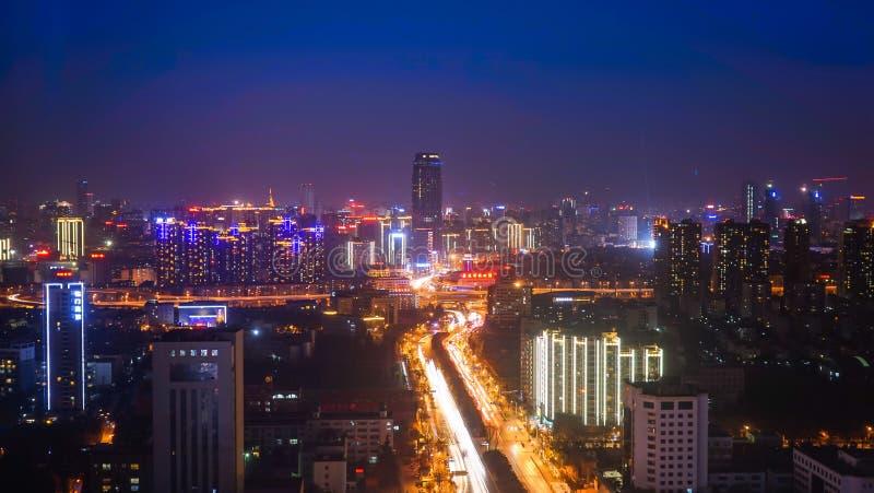 Horizon van Kunming bij Nacht stock afbeelding