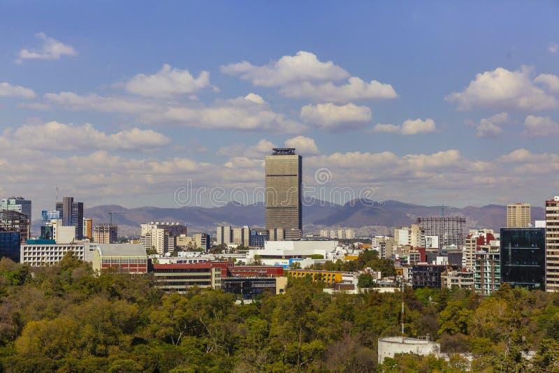 Horizon van Mexico-City, Mexico met Bergen royalty-vrije stock afbeelding