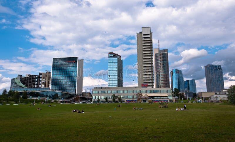 Horizon van Moderne Stad Vilnius stock afbeelding