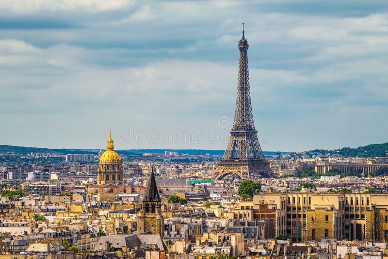 Horizon van Parijs met de toren van Eiffel stock fotografie