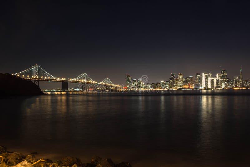 Horizon van 's nachts San Francisco stock afbeeldingen