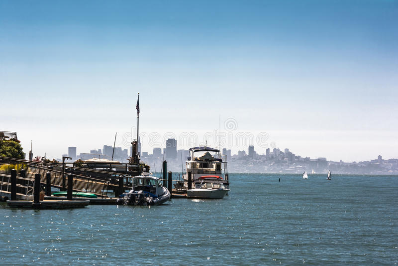 Horizon van San Francisco van Tiburon, Californië stock fotografie