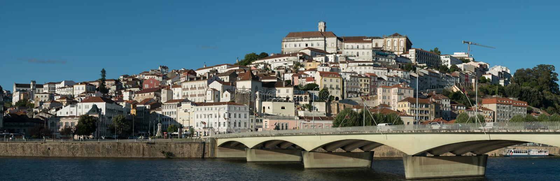 Horizonpanorama van Coimbra in Portugal royalty-vrije stock afbeelding