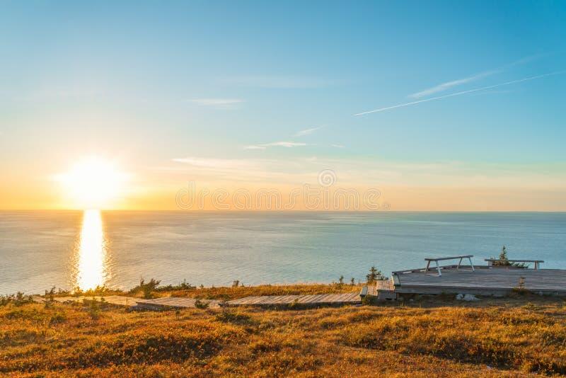 Horizonsleep blik-weg bij zonsondergang stock afbeeldingen