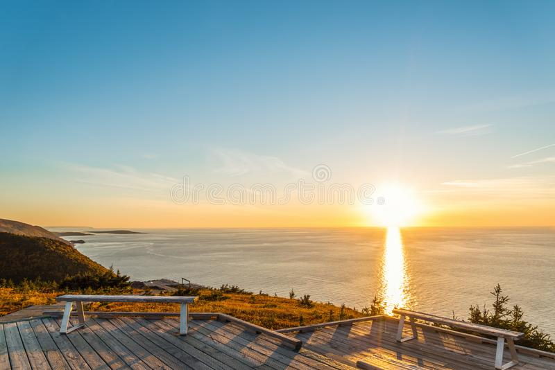 Horizonsleep blik-weg bij zonsondergang stock fotografie