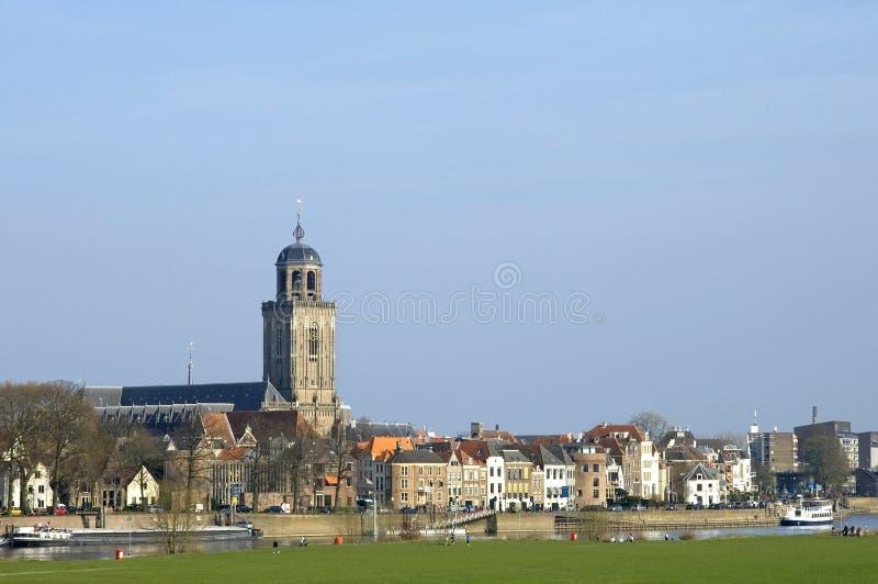 Horizonstad Deventer en rivier Ijssel royalty-vrije stock afbeeldingen