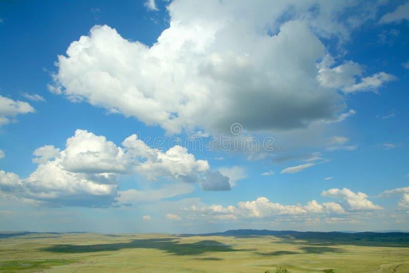 Horizont und Wolken lizenzfreie stockbilder