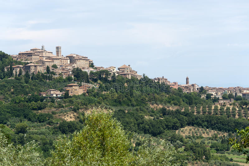 Horizontal avec le panorama de Chianciano (Toscane) photos stock