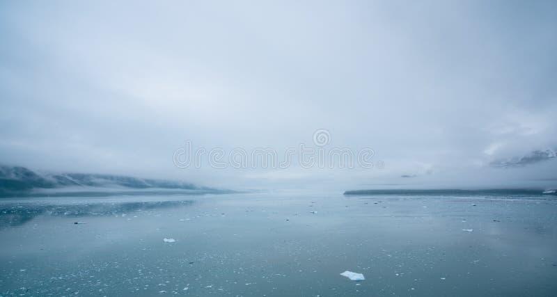 Horizontal d'Alaska brumeux photographie stock