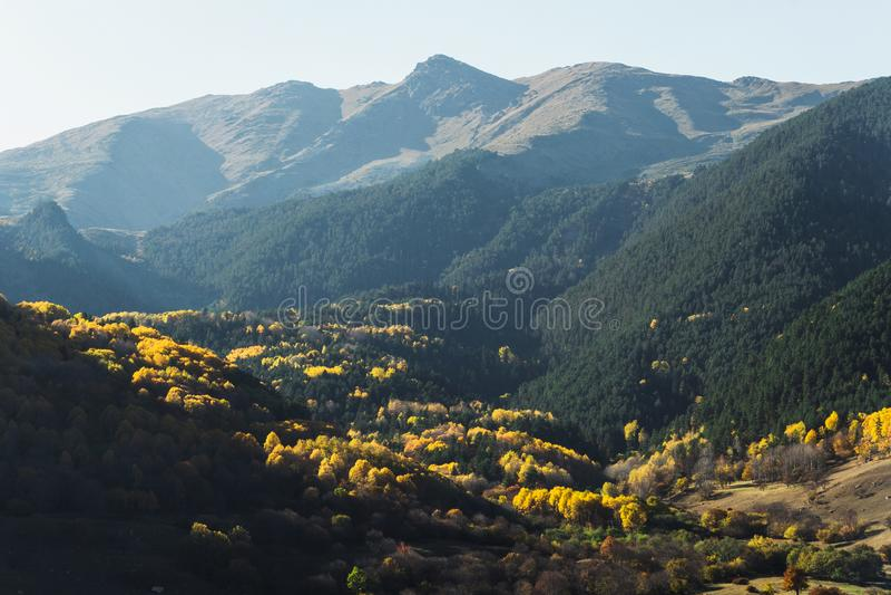 Horizontal d'automne de montagne photo stock