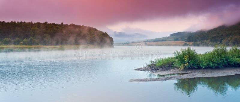 Horizontal de fleuve photos stock