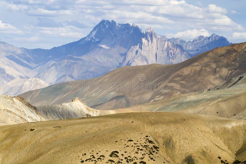 Horizontal de montagne de Ladakh, Inde photos stock