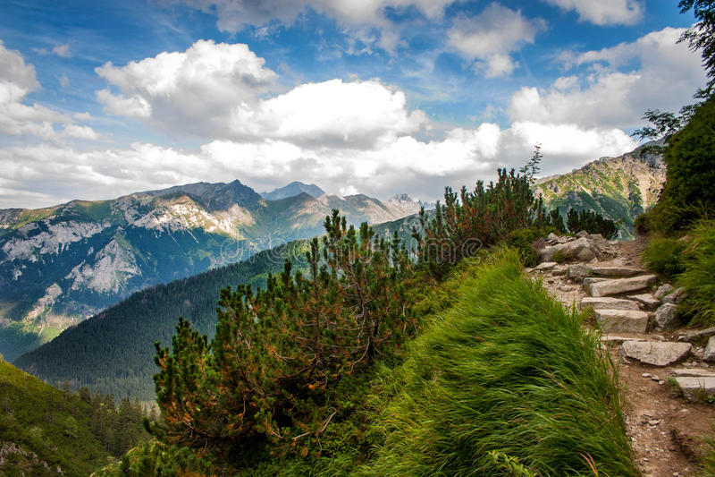 Download Horizontal De Montagne Haut Tatras, Pologne Image stock - Image du beau, tranquille: 77157421