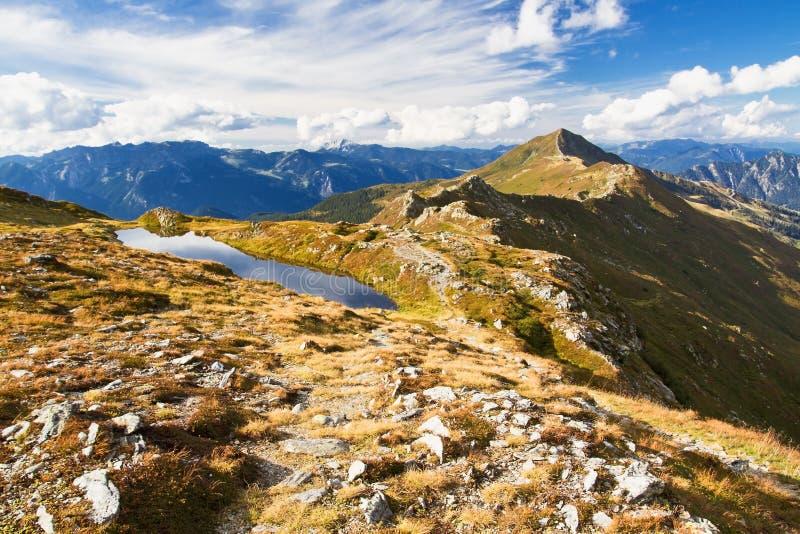 Horizontal de montagne rocheuse photos stock