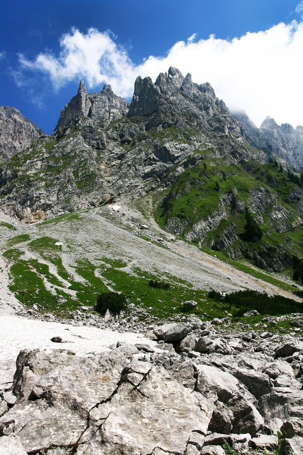 Horizontal de montagne rocheuse photographie stock libre de droits