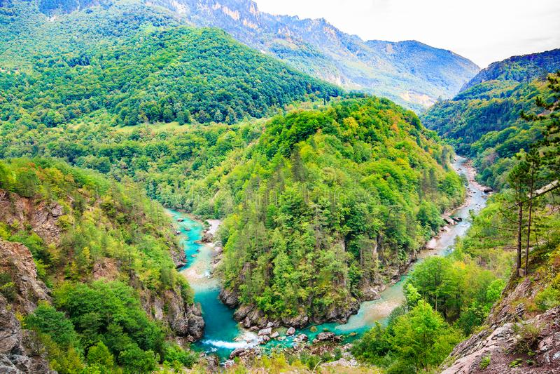 Horizontal de montagne Tara River Canyon, parc national de Durmitor, Monténégro image libre de droits