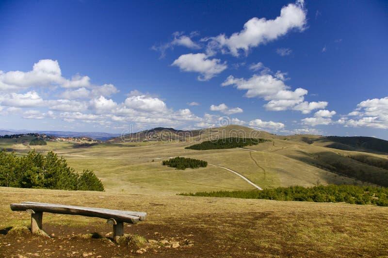 Horizontal de montagnes images stock