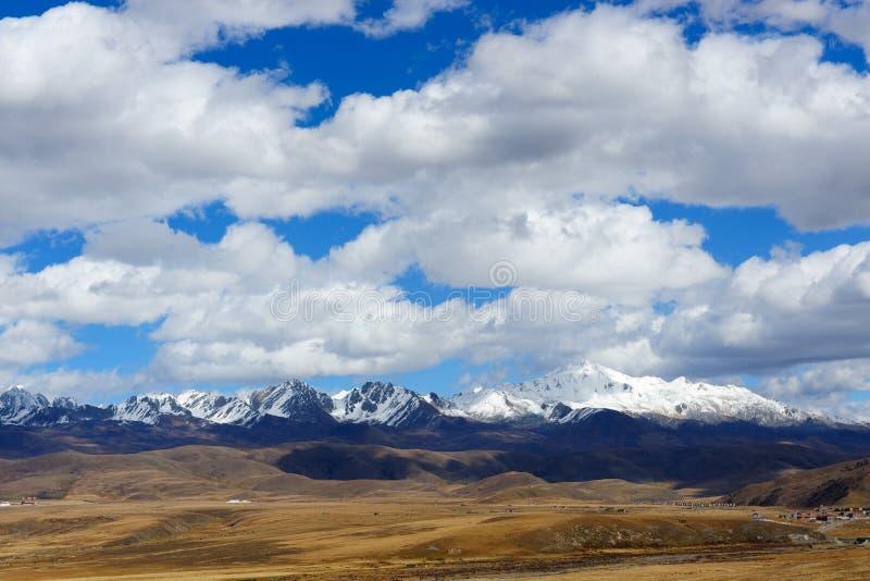 Horizontal de plateau occidental de sichuan images stock