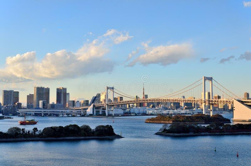 Horizontal de soirée de pont en arc-en-ciel. photographie stock