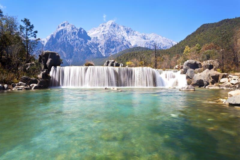 Horizontal de vallée de lune bleue en montagnes Chine. images stock