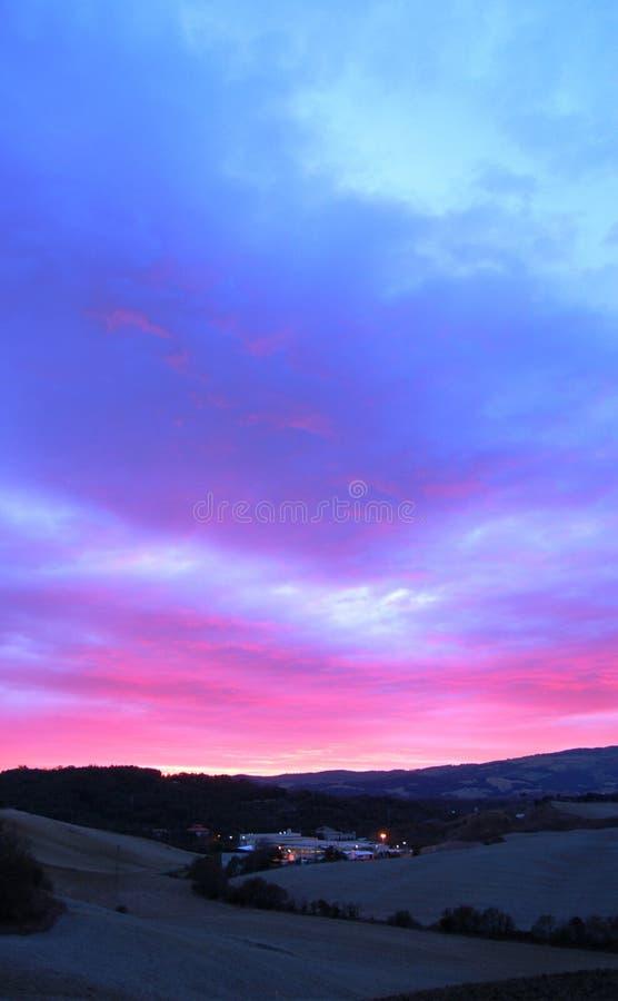 Horizontal de Volterra au crépuscule image stock