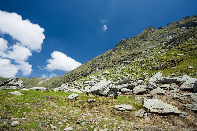Horizontal en montagnes de Fagaras, Roumanie image libre de droits