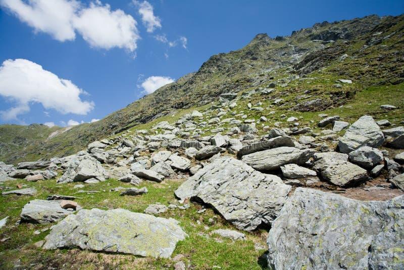 Horizontal en montagnes de Fagaras, Roumanie image stock
