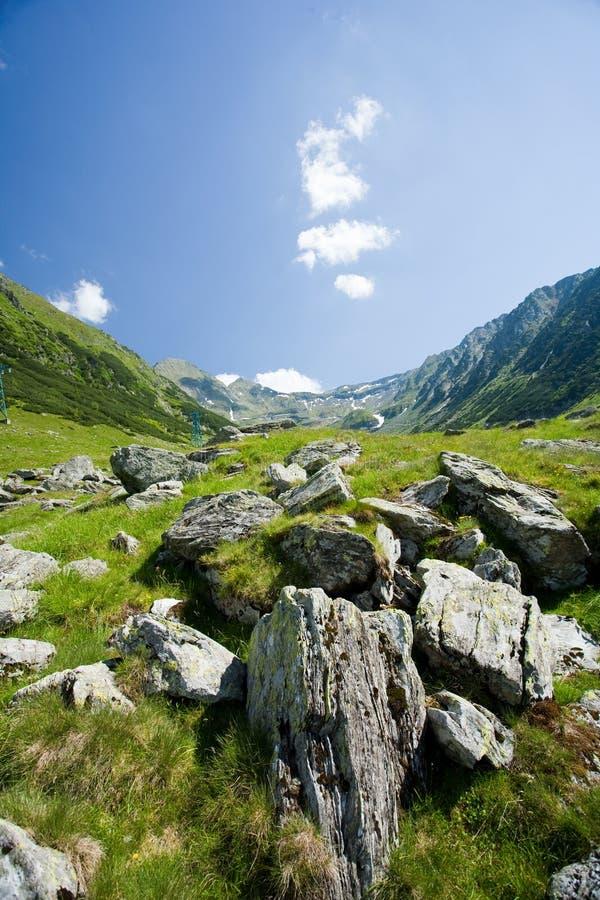 Horizontal en montagnes de Fagaras, Roumanie images libres de droits