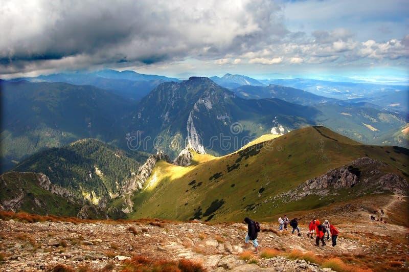 Horizontal orageux de montagnes photographie stock