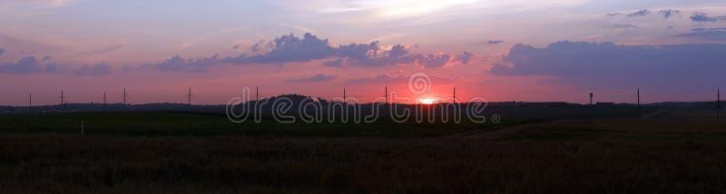 Horizontal rural au coucher du soleil photo stock