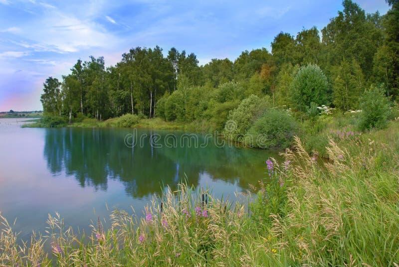 Horizontal scénique de lac photos stock