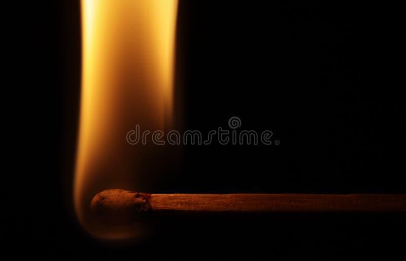 Download Horizontale Abgleichung Mit Flamme Stockbild - Bild von orange, brand: 27734497