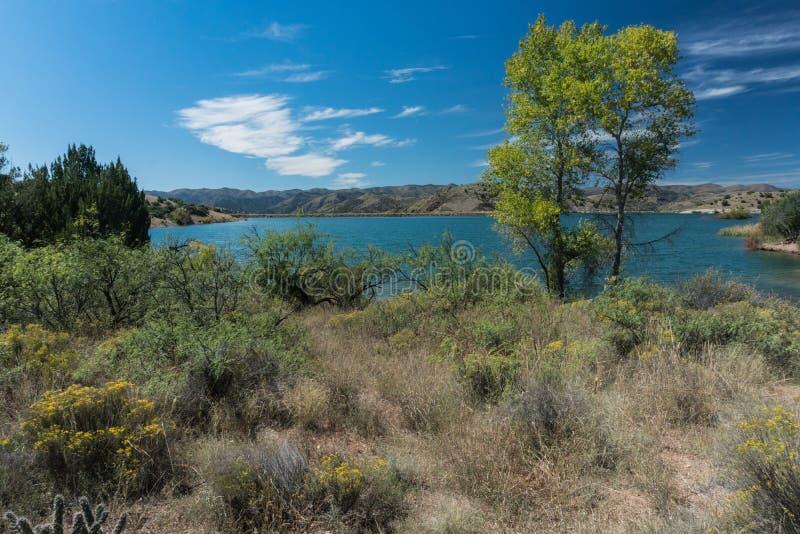 Horizontale Ansicht von Bill Evans Lake im New Mexiko lizenzfreie stockfotografie