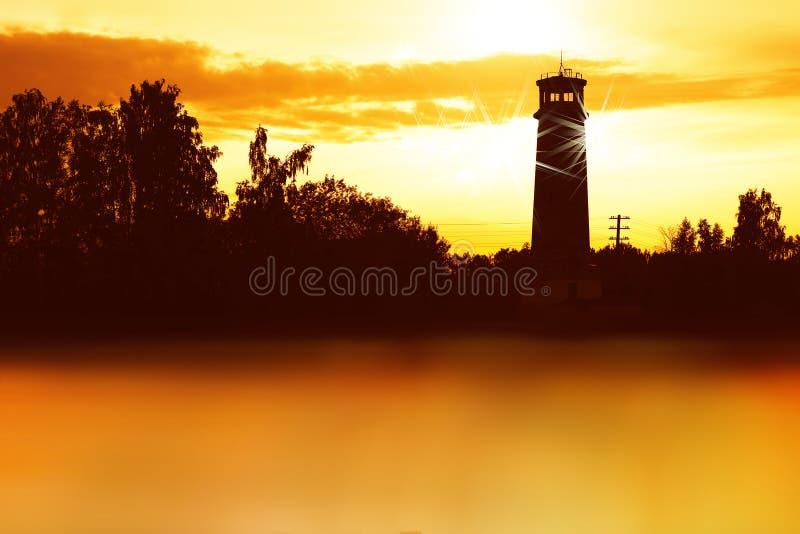 Horizontale het landschapsachtergrond van de vuurtorenzonsondergang royalty-vrije stock fotografie