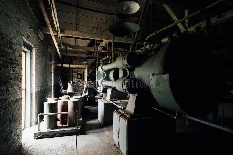 Horizontale Presse - verlassene Indiana Army Ammunition Depot - Indiana lizenzfreie stockbilder