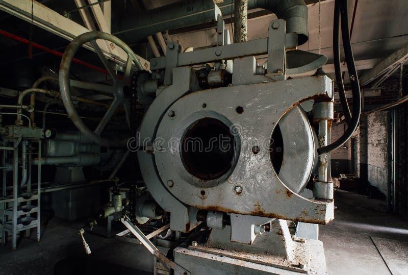 Horizontale Presse - verlassene Indiana Army Ammunition Depot - Indiana stockfotografie