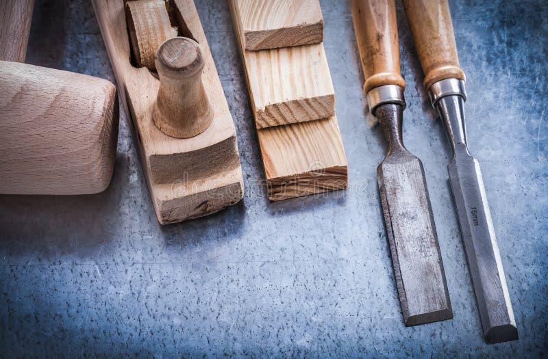 Horizontale versie van houten planer hamerbakstenen stock fotografie